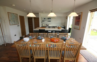 Loch Lomond Luxury self catering cottage dining area and kitchen