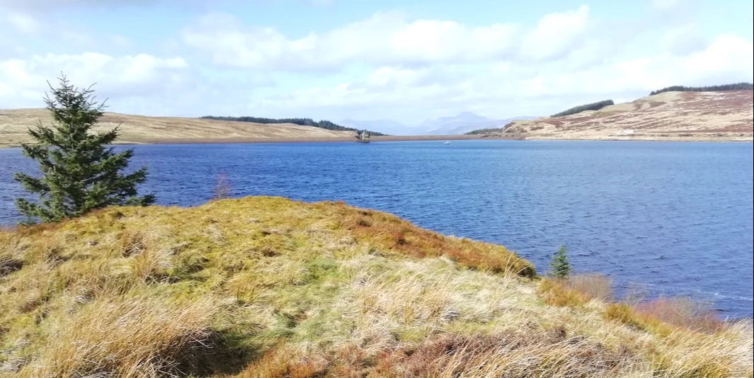 John Muir Way, Burncrooks Reservoir, Self catering cottage walk
